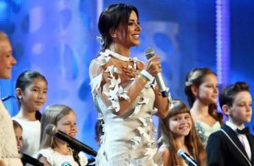 Ани Лорак в шикарном платье
